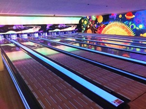 Ten Pin Bowling - Play2Day lanes left