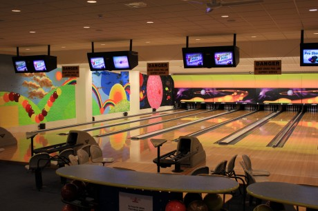 Enjoy An Evening Of Ten Pin Bowling
